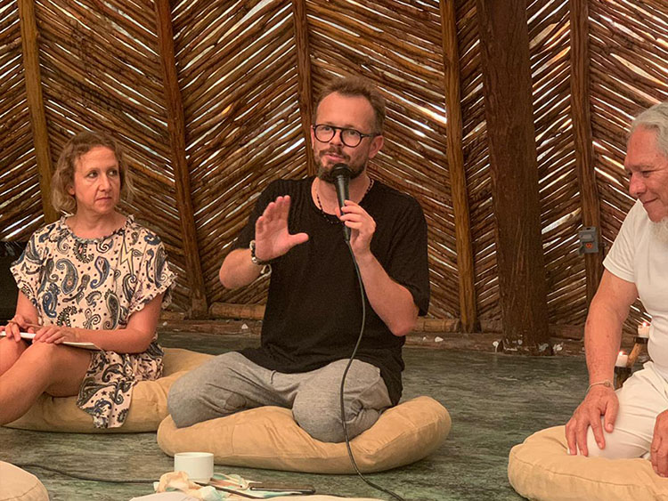 Mikolaj Sekutowicz, Curator of Therme Art, speaking at Azulik Tulum